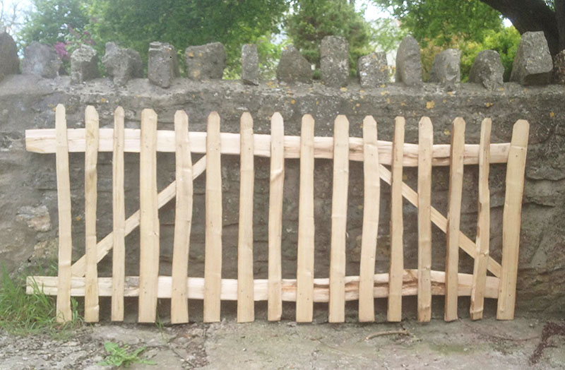 Braced picket fence panel designed to be movable